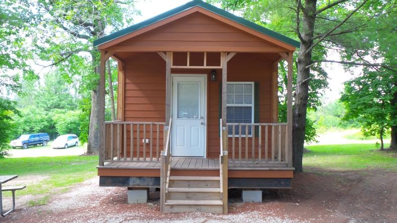 cabin-wisonsin-woods